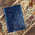 """Обкладинка для паспорта шкіряна з художнім тисненням Crystal """"Buta Art"""". Колір блакитний, фото 5"""