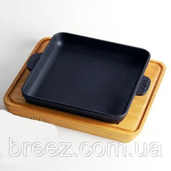 Сковорода чугунная прямоугольная на деревянной подставке 18*18 см, фото 2