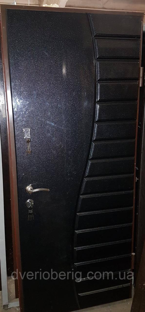 УЦЕНКА Входная дверь модель П5-324 ЧЕРНЫЙ ГЛЯНЕЦ БЕЛЫЙ ГЛЯНЕЦ