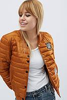 Женская демисезонная короткая  куртка на кнопках