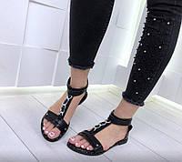 Босоножки сандали гладиаторы женские низкие черные декорированы цепью