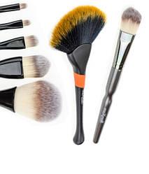 Кисти и щеточки для макияжа