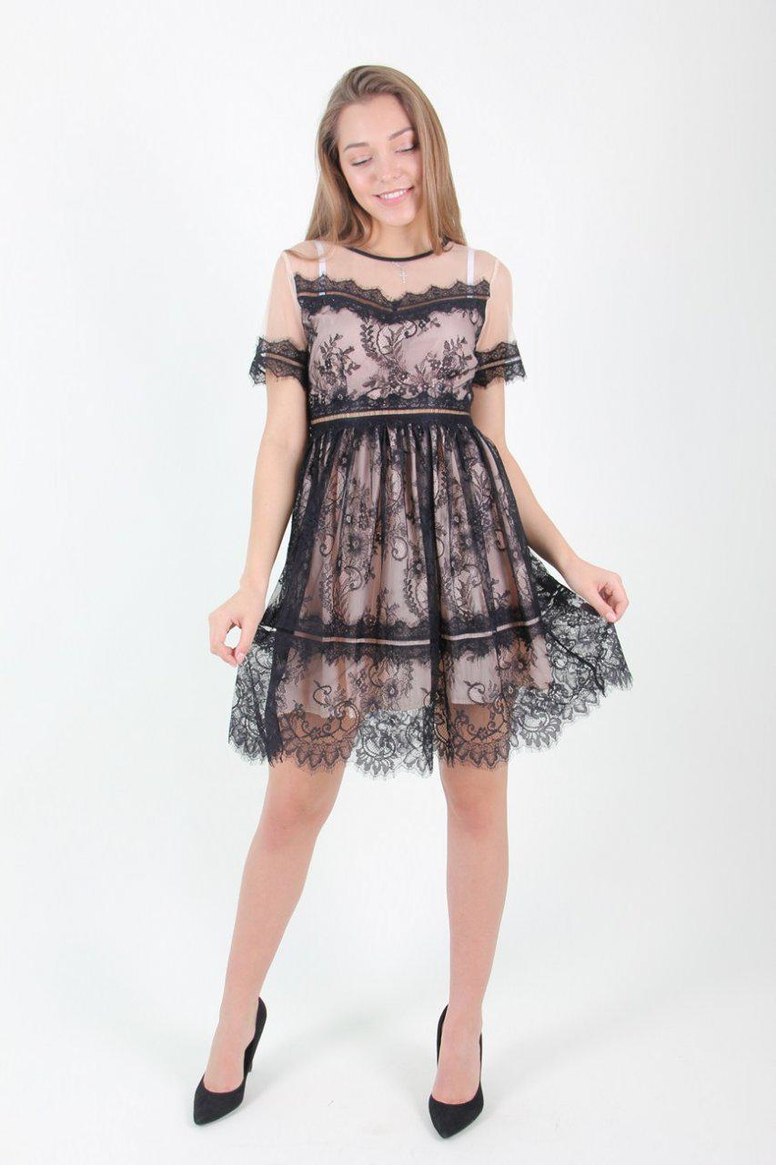 1d31306cc47 Выпускное короткое платье бежевое с черным кружевом  продажа