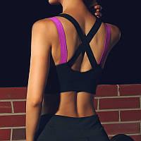 Жіночий чорний спортивний топ з Push up