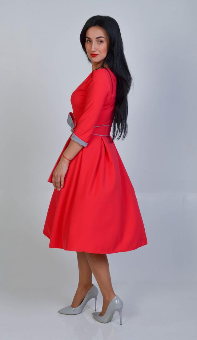 fd86624187c Повседневное платье с пышной юбкой красное размер 44