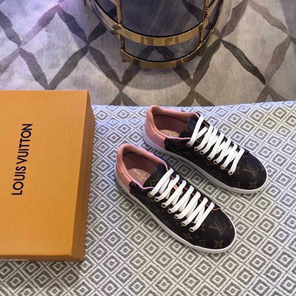48853a88bd57 Кожаные кеды, кроссовки Луи Витон, коричневые с розовым  продажа ...