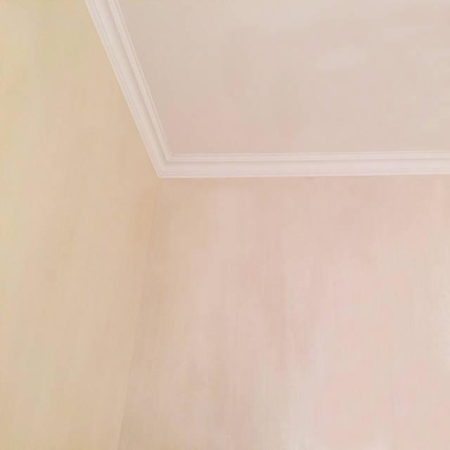 Кристальная фактура на стенах