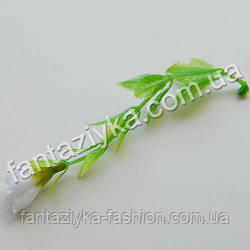 Декоративная веточка с бутоном белой лилии