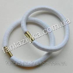 Белая резинка для волос с металлической вставкой 5см