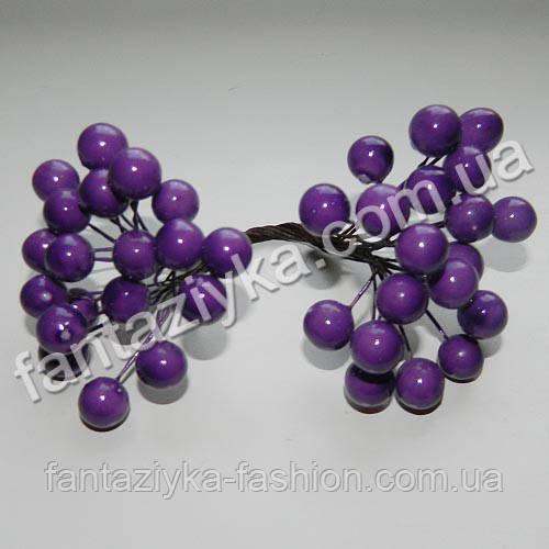 Калина крупная 10мм лаковая фиолетовая, в пучке 40 ягод