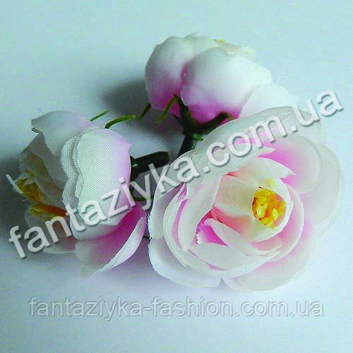 Ранункулюс искусственный средний 30мм, бело-розовый
