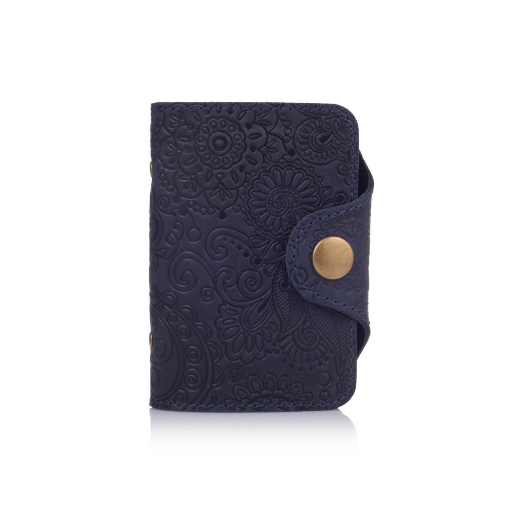 """Картхолдер карманный кожаный с тиснением на кнопке Shabby """"Искусство Мехенди"""". Цвет синий"""