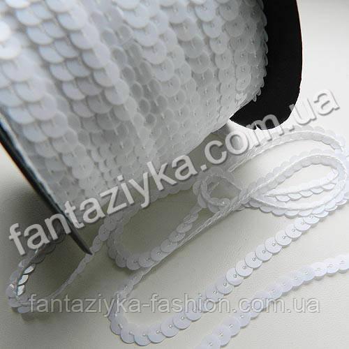 Пайетки на нитке белые, тесьма декоративная