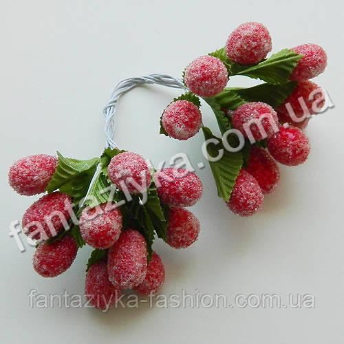 Сахарные ягоды годжи 15мм с листиком, в пучке 20 ягод