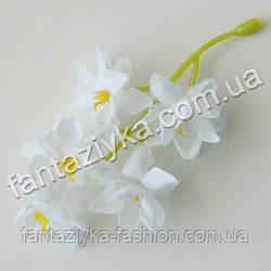 Букетная добавка цветки лотоса из ткани белые
