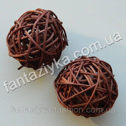 Декоративный шарик из ротанга средний 50мм, коричневый
