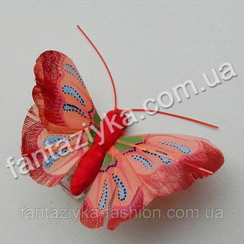 Перьевая бабочка для декора 45мм красная