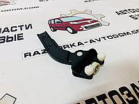 Ролик боковой двери нижний Mercedes Vito W639 (03-10), фото 1