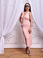 Красивое платье по фигуре со стильной шнуровкой