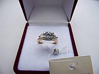 Золотое кольцо со вставкой. Размер 15