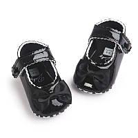 Детские нарядные черные лаковые пинетки туфельки для крестин девочки, на годик