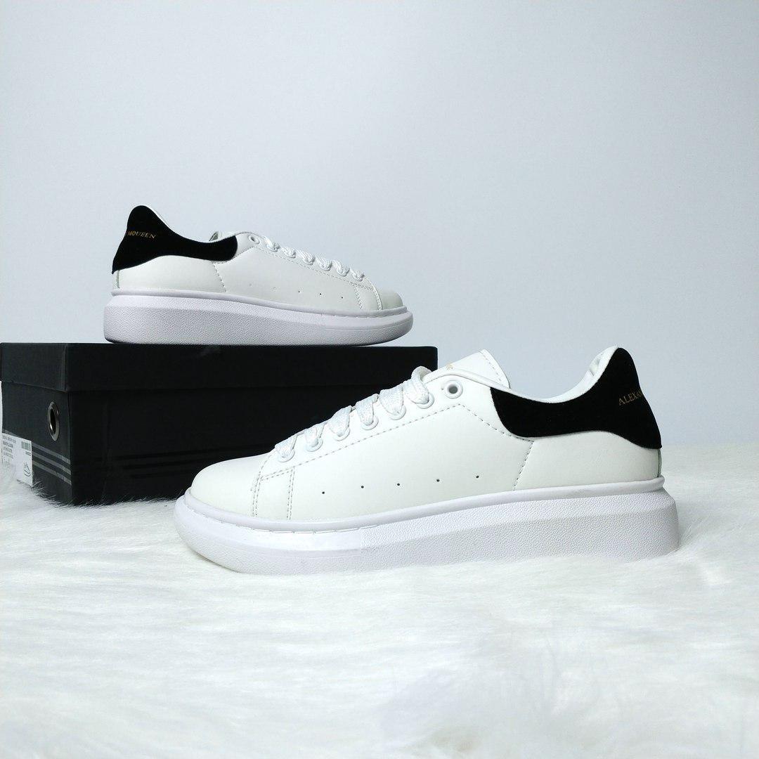 Женские кожаные кроссовки Alexander Mcqueen classik  продажа 8355a095e83dd