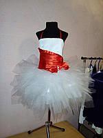Нарядное пышное платье на 5-6 лет