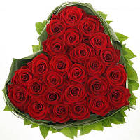 Композиция из роз сердце   доставка цветов