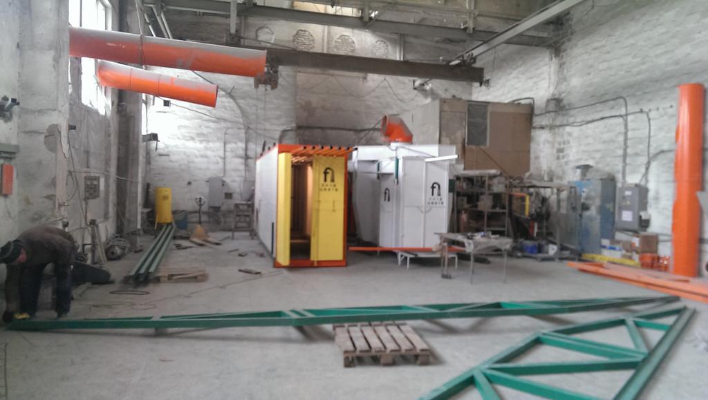 Монтаж оранжевого покрасочного участка для алюминиевых профилей 1