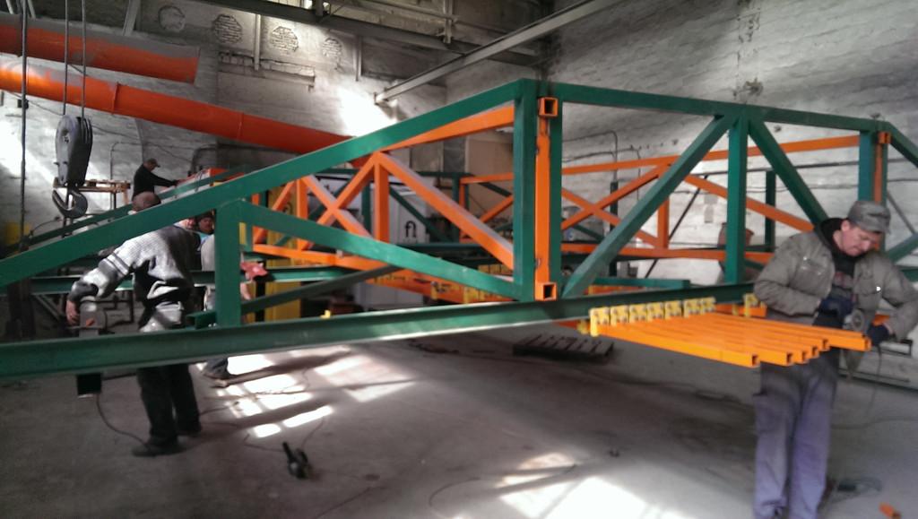 Монтаж оранжевого покрасочного участка для алюминиевых профилей 2