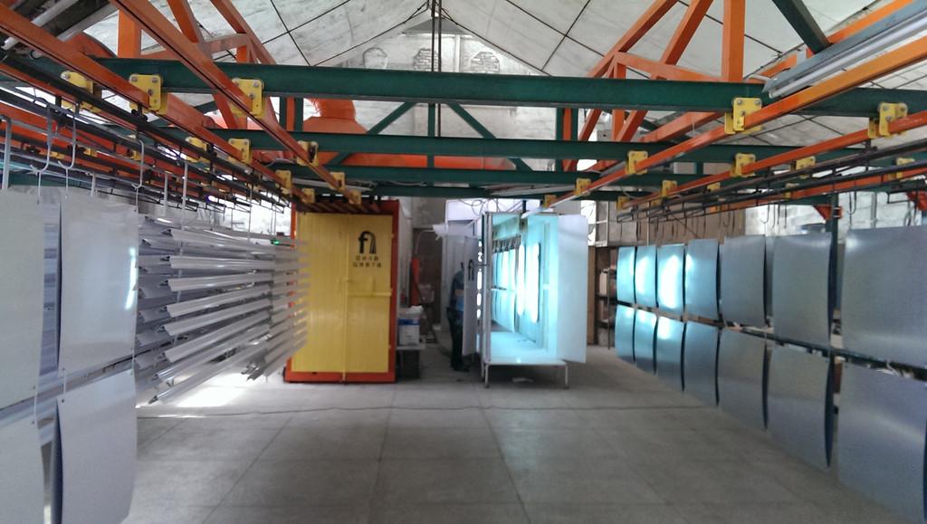 Монтаж оранжевого покрасочного участка для алюминиевых профилей 9
