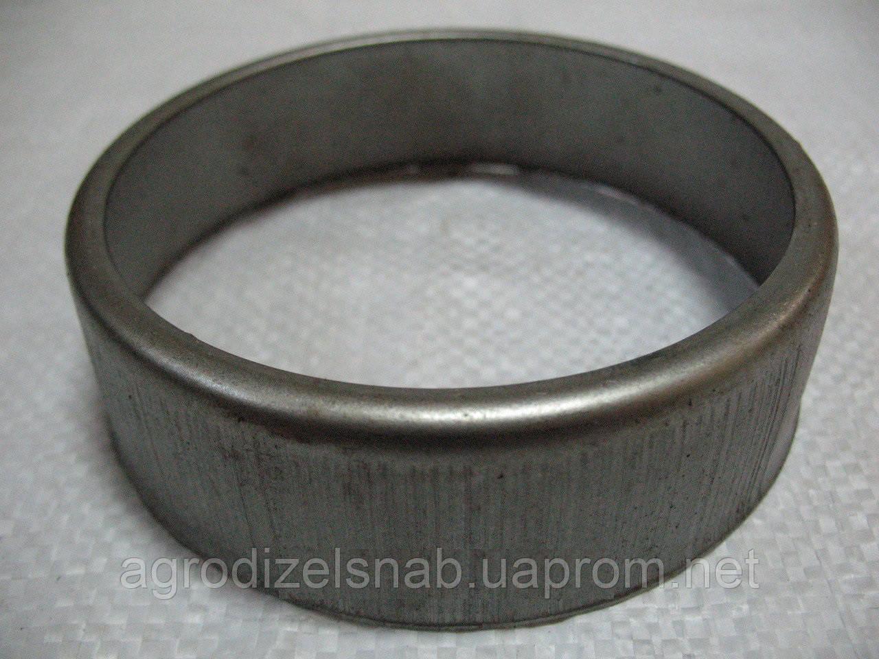 Колпак уплотнения направляющего колеса ДТ-75 (пыльник) 77.32.113