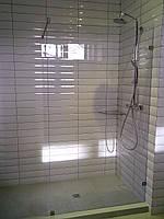 Душевая перегородка из стекла, фото 1