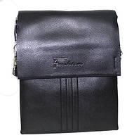 Классическая мужская сумка изготовлена из высококачественной искусственной кожи
