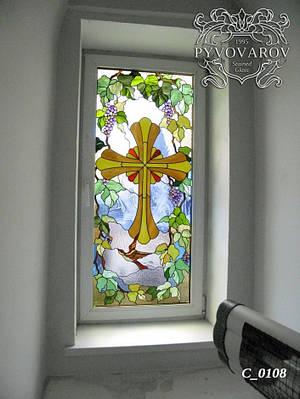 Церковные витражи крест в прямоугольные окна
