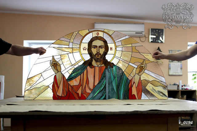 Арочный церковный витраж Спас