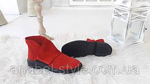 Туфли на плоской подошве женские из натуральной замши красного цвета на липучке сбоку Код 1494 AR, фото 2