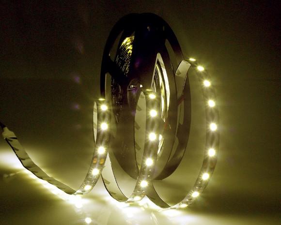 Светодиодная лента LED на черной основе, 12V , SMD5050, 60 д/м, белый теплый
