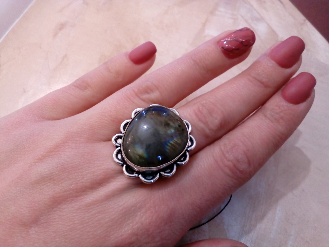 Кольцо с натуральным камнем лабрадор в серебре. Кольцо с лабрадором 20 размер Индия