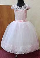 6.122 Необычное розовое нарядное детское платье из гипюра на 5-7 лет