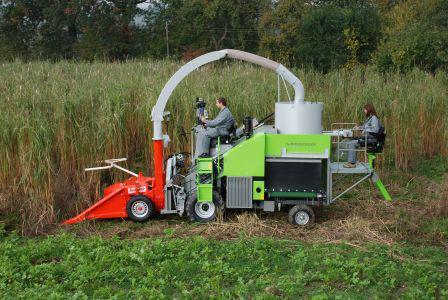 Фото мини комбайна для кукурузы