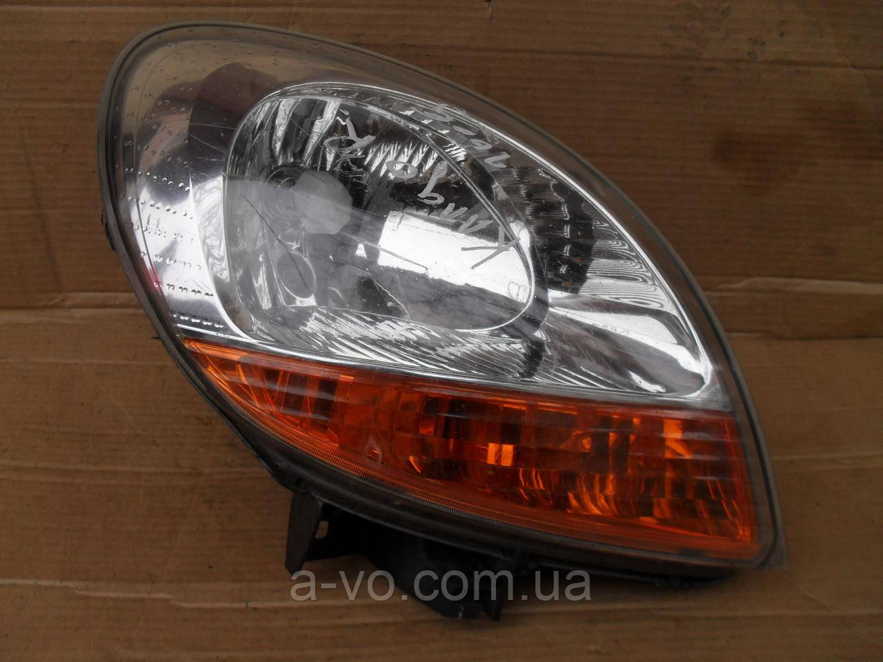 Фара основная права для Renault Kangoo 1, (2003-2005) Valeo 8200150617, 89008436, 89008680, 89027229