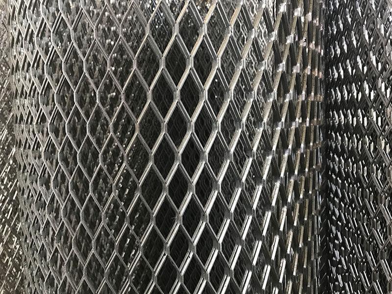 Сетка просечно-вытяжная 25*50*0,5 ХК (10 м2)