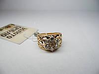 Золотое кольцо со вставкой. Размер 17,5