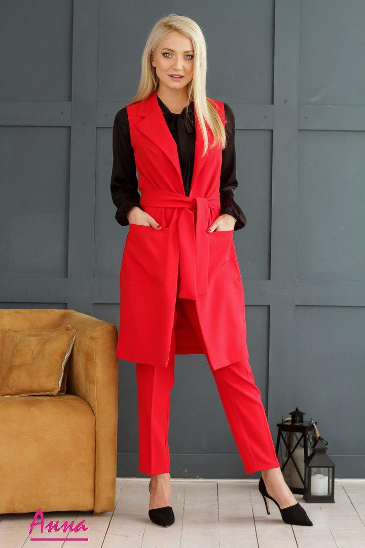 8c7aee84380 Красный брючный костюм женский с удлиненным жилетом Фаина