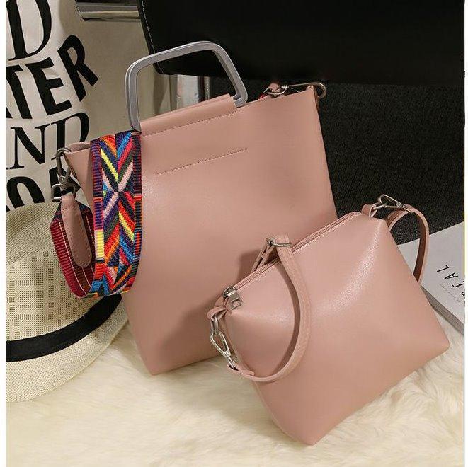 Женская сумка с металлическими ручками в стиле Gucci (Гуччи) розовая ... 442ae70395727