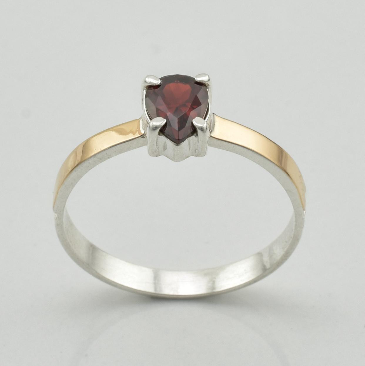 Серебряное кольцо 1277 пк, вставка красный фианит, вес 2.12 г, размер 20
