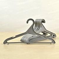 Вешалки-плечики для одежды пластиковые тонкие серого цвета Черновцы