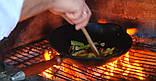 Сковорода чугунная ВОК эмалированная с деревянной ручкой без крышки., фото 2