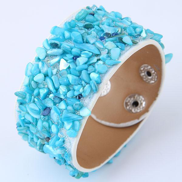 Браслет кожаный с голубыми бусигами B008045